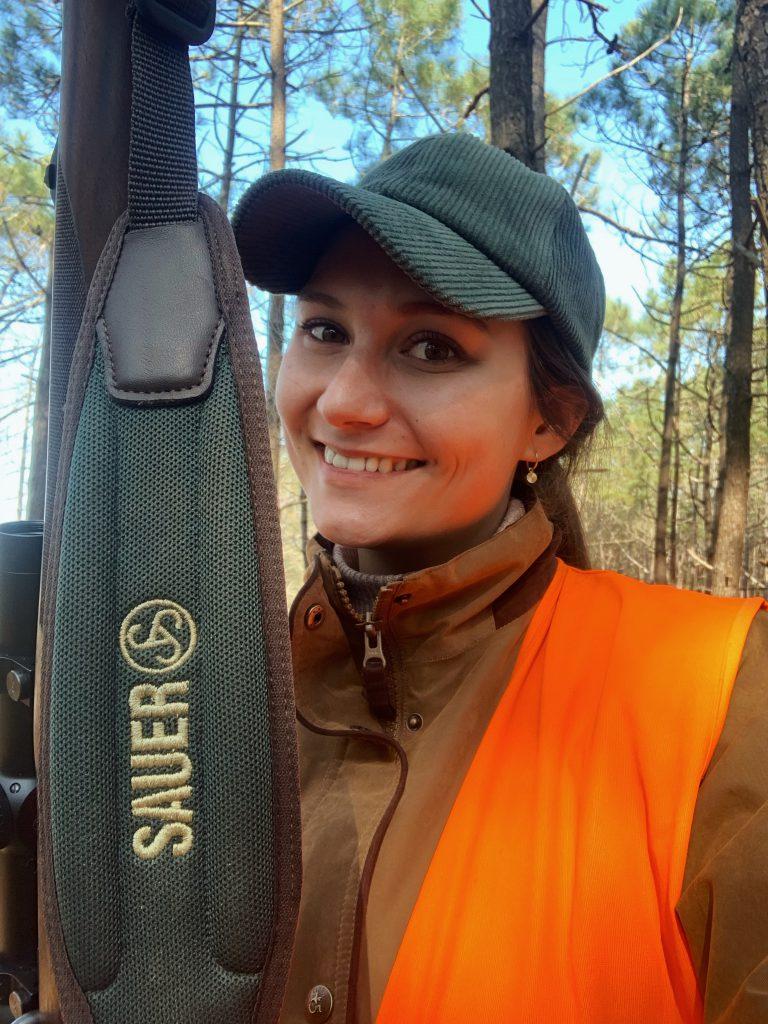 Adeline chasseresse et membre de l'association des jeunes chasseurs d'ile de France